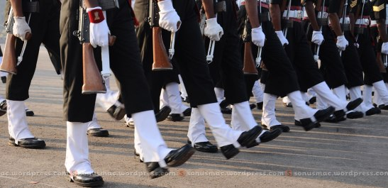 Cadets_marching_in_shyncroninc_movment